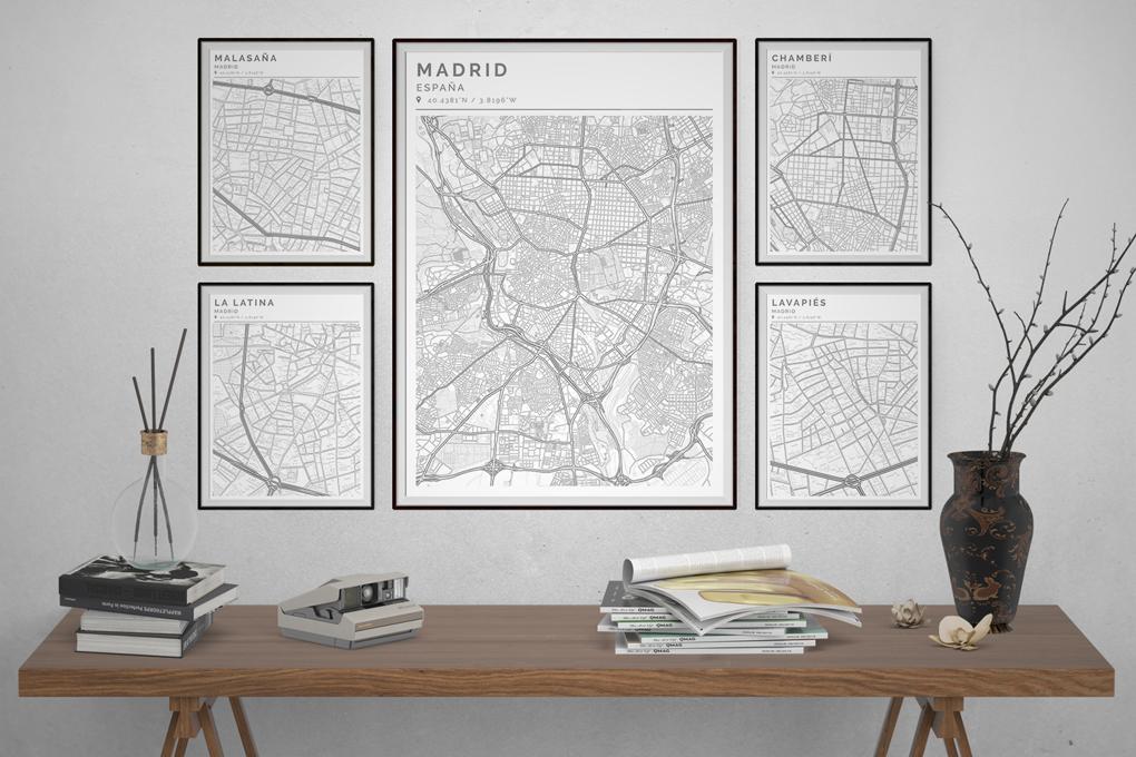Composición de cuadros con mapas colocados según su temática
